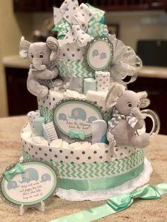 Deco Baby Shower, Baby Shower Baskets, Baby Shower Gift Bags, Baby Shower Crafts, Shower Bebe, Baby Shower Diapers, Baby Boy Shower, Baby Gift Hampers, Baby Hamper