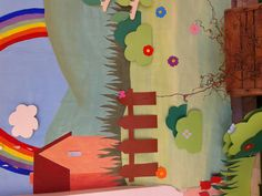 Cartellone dipinto con tempere e applicazioni in cartoncino pop up.  Decorazione ingresso scuola materna.  Progetto pasqua