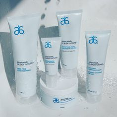 #arbonne #clearfuture #globallaunch Global launch of Clear Future®!  These acne-fighting products are made with three key botanicals (white willow bark, sage and witch hazel) that work in tandem with salicylic acid and other active ingredients to fight blemishes and prevent new ones from forming.