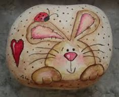 Creative DIY Easter Painted Rock Ideas 32 - blue grey kitchens painting ideas for kids Pebble Painting, Pebble Art, Stone Painting, Bunny Painting, Pebble Mosaic, Diy Painting, Painted Rock Animals, Hand Painted Rocks, Painted Stones