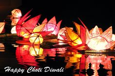 Diwali It's the biggest thing to hit India since…well, Dussehra Festival two weeks ago really. India is just the place to be this autumn! Check out our top tips for this year's festival of lights. Happy Diwali 2019, Happy Diwali Images, Diwali Festival Of Lights, Diwali Lights, Diwali Decorations, Light Decorations, Choti Diwali, Diwali Lantern, Shubh Diwali