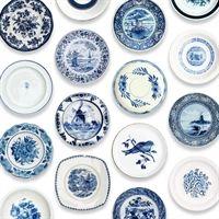 blue porcelain plates wallpaper