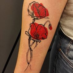Merci Anne-Laurence ! Done @noircharbon. #tattoo #tattoos #ink #inked #tatouage #tattooed #coquelicot #poppy #poppies #graphictattoo #graphicdesign #lines