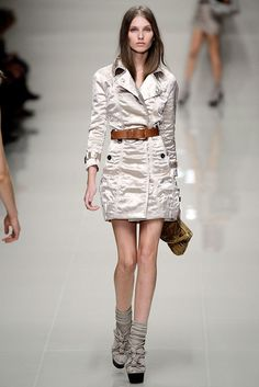 Burberry Spring 2010 Ready-to-Wear Collection Photos - Vogue