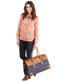 Clever Endeavor Weekend Bag in Fox. Aim for a cute commute with this fox-printed weekend bag. #blue #modcloth