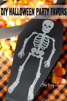 Glitter Skeleton Coffin Boxes  http://www.skiptomylou.org/2012/08/28/glitter-skeleton-coffin-boxes/