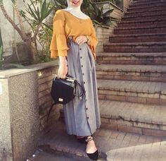 Stylish Ways To Wear Button Skirt For Hijab Outfit - Hijab+ Abaya Fashion, Muslim Fashion, Modest Fashion, Fashion Outfits, Hijab Style, Hijab Chic, Modest Dresses, Modest Outfits, Mode Abaya