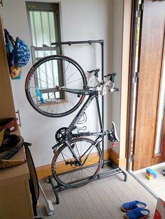 ロードバイク・スタンド(縦置き)|Diy-Life | Storage ideas for bike gear