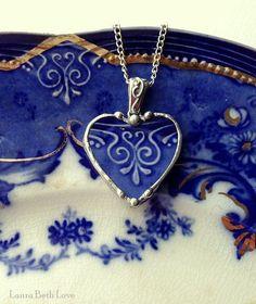 jóia feita com um pedacinho de porcelana