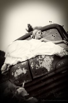 Trash the dress. I really want to do a photo shoot! Anyone have a dress they want to trash! I'm all over it!!!!!!!!