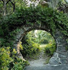 View of a Moon Gate in Palm Grove Garden, Devonshire Parish, Bermuda. A moon gate is a circular open Garden Gates, Garden Art, Garden Beds, Garden Entrance, Cacti Garden, Garden Trellis, House Entrance, Grand Entrance, Fruit Garden
