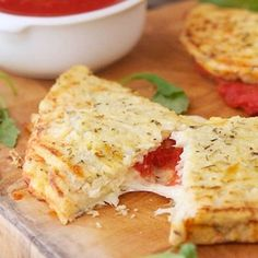 Cauliflower makes a tasty, low-cal substitute for carbohydrates like rice and potatoes. Try this Cauliflower Crust Calzone: #cauliflowerrecipes #everydayhealth | http://everydayhealth.com