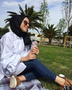 Modest Fashion Hijab, Hijab Chic, Muslim Fashion, Hijab Makeup, Girls Foto, Ways To Wear A Scarf, Hijab Fashion Inspiration, Fashion Couple, Beautiful Hijab