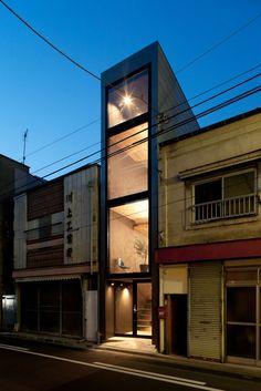 1.8m wide house. http://yuua.jp/
