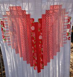 5Bent+Needles:+Love+Heart+Quilt.  Shows some other pretty color combos too