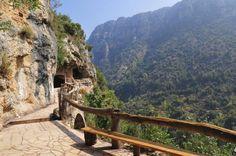 el valle de qadisha y sus monasterios 0