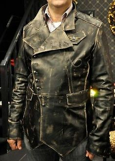 Wondering what is Steampunk? Visit our website for more information on the latest with photos and videos on Steampunk clothes, art, technology and more. Style Steampunk, Steampunk Costume, Steampunk Clothing, Steampunk Fashion, Steampunk Jacket, Military Fashion, Mens Fashion, Fashion Outfits, Mens Tailor