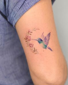 60 Adorably Small Tattoos That Prove Bigger Isn't Always Better - Page 6 of 6 - Straight Blasted Mom Tattoos, Little Tattoos, Finger Tattoos, Cute Tattoos, Body Art Tattoos, Tattoos For Women, Tatoos, Hummingbird Flower Tattoos, Hummingbird Tattoo Watercolor