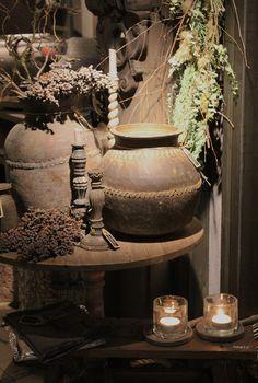 Antieke potten en accessoires van Hoffz, verkrijgbaar bij Days At Home in Oosterbeek. www.daysathome.nl