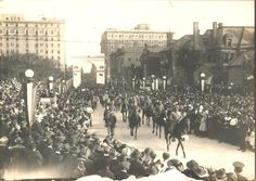 World War I victory parade; Soldiers on horseback pass before the crowd. Nashville, Tn - 1919