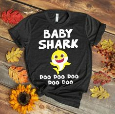 Kids Pinkfong Baby Shark Official T-shirt Baby Shark Doo Doo Cute Shirts, Funny Shirts, Shark Shirt, T Shirt, Baby Shark Doo Doo, 3 Kids, Heat Transfer Vinyl, Mother Day Gifts, Colorful Shirts