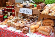 farmers market: Baked goods and homemade preserves and jams at a farmers market. Farmers Market Display, Farmers Market Recipes, Market Displays, Farmers Market Stands, Bake Sale Displays, Bake Sale Packaging, Baking Packaging, Food Business Ideas, Cake Stall