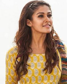 Nayanthara's hairstyles have always been easy to replicate and effortless to carry off. Try these 31 Nayanthara hairstyles and look like a star in no time! South Indian Actress, Beautiful Indian Actress, Katrina Kaif, Nayanthara Hairstyle, Nayantara Hot, Messy Hairstyles, Hairstyle Photos, Hairdos, Girl Photo Poses