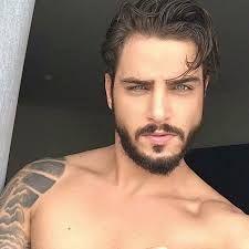 Resultado de imagem para hot guy selfie