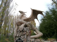 Dragon Statue....something like this to greet you at our front gate......