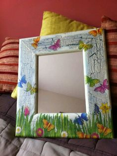 Decoupaged Shabby Chic Wall Mirror Finaly by DecoupageEmporium, Decoupage Glass, Decoupage Vintage, Mirror Painting, Painting On Wood, Crafts To Make, Arts And Crafts, Mirror Mosaic, Wall Mirror, Carved Eggs