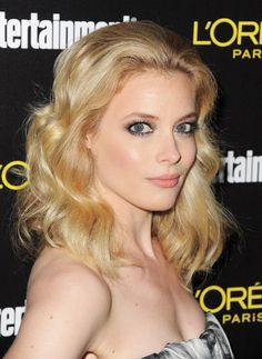 The 15 Most Beautiful Blonde Actresses: Round 4 Blonde Beauty, Blonde Hair, Gillian Jacobs Love, Peach Makeup, Blonde Actresses, Walk Of Shame, Elizabeth Banks, Celebrity Wallpapers, Strawberry Blonde