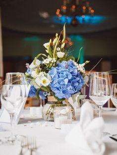 Tischdeko bei einer maritimen Hochzeit. Foto: Vivid Symphony