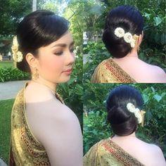 เจ้าสาวเช้านี้ที่จ.เพชรบุรี #myhair  #hair  #hairbride  #hairstyle  #thaistyle  #wedding  #kae_jubjub #bride  #makeup  by @pm_makeup2012