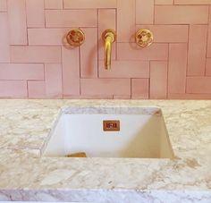 Bathroom Luxury Marble Interior Design New Ideas Marble Interior, Bathroom Interior Design, Kitchen Interior, Kitchen Decor, Pink Tiles, Herringbone Tile, D House, Room Tiles, Bathroom Flooring