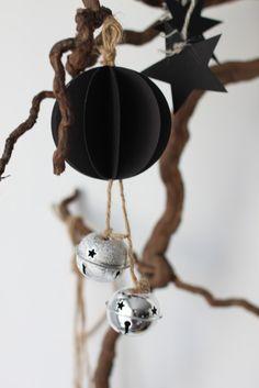 3 diy navideños con estilo nórdico Decorative Bells, Home Decor, Diy Decorating, Nordic Style, Creativity, Home, Decoration Home, Room Decor, Interior Design