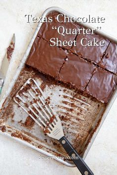 Quarter sheet cake is a small, mini cake. This version is a Texas Chocolate Sheet Cake, quartered to serve just people! Perfect for a small or mini cake recipe. If you've never tried Texas sheet cake, you are missing out! Just Desserts, Dessert Recipes, Frosting Recipes, Sheet Cake Recipes, Sheet Cakes, Mini Cake Recipes, Texas Chocolate Sheet Cake, Small Batch Baking, Cupcake Cakes