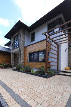 House Front, My House, Outside Tiles, Garden Tiles, Porch Flooring, Garden Yard Ideas, Architect House, House Entrance, Exterior Design