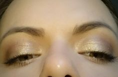 Silver grey from the wet n wild comfort zone palette and in the crease essence's 21 keep calm and berry on, catrice's glam and doll false lashes mascara... (I love stage eye-shadow base from essence and ebelin's blending brush)