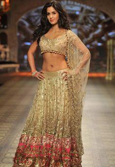 #KatrinaKaif walked the ramp for Manish Malhotra at the Delhi Couture Week 2012.