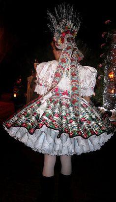 Hungarian Embroidery, Traditional Dresses, Hungary, Romania, Harajuku, Folk, Pride, Victorian, Costumes
