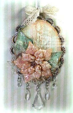 Beautiful shabby-chic style Christmas ornament  ************************************************   Linda's works of heart - #Christmas #ornament #shabby #chic #handmade - tå√