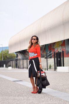 3eb27192ab70 Le rouge et le noir   LovaLinda   Blog Mode Photo Lifestyle Marseille    Carven Sweater