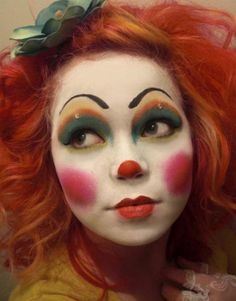 One of the best clown make up I've ever seen! Clown Face Makeup, Clown Face Paint, Clown Costume Women, Female Clown, Vintage Clown, Clown Faces, Face Painting Designs, Cute Makeup, Aesthetic Makeup