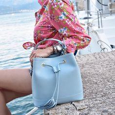 Keep calm & listen to sea 💦 . #leatherbag #bucketbag #saffianoleather #luxurybag #everydaybag #citybag #officebag #stylishbag…