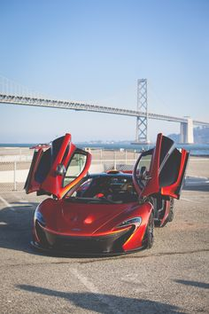 McLaren with the gullwing Mclaren Cars, Mclaren P1, Super Pictures, Automotive Manufacturers, Porsche 918, Automobile Industry, Car In The World, Ford Gt, Sport Cars