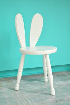 How to make an adorable DIY bunny ears stool.