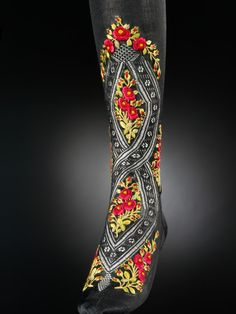 Stockings | late 19th-early 20th century | Victoria & Albert Museum.