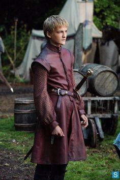 Photos - Game of Thrones - Season 1 - Promotional Episode Photos - Episode 2 - joffrey-001