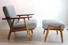 Hans J Wegner chairs