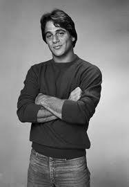 Tony Danza Italian Water, Tony Danza, Fact Families, Madame, A Good Man, Tv Series, Che Guevara, Eye Candy, Tv Shows